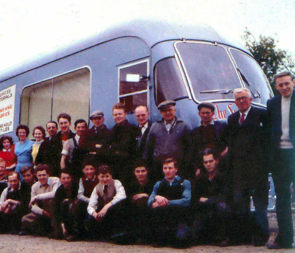 The workforce 1960, including Bob and William Wright